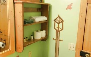 Room-04-Bath-Shelf-Hidden-Valley-Motel
