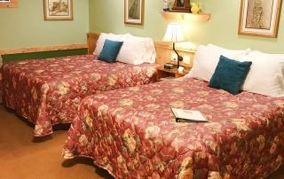 Room-04-Two-Queen-Beds-Hidden-Valley-Motel