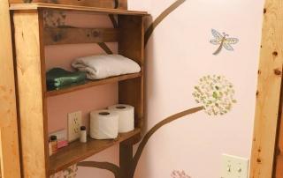 Room-05-Bath-Shelf-Hidden-Valley-Motel